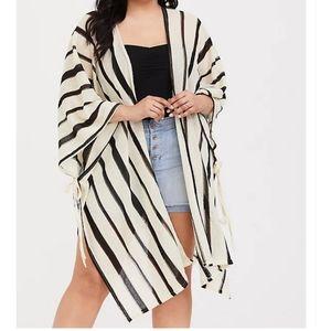 Torrid Striped Ruana (Kimono): Ivory & Black